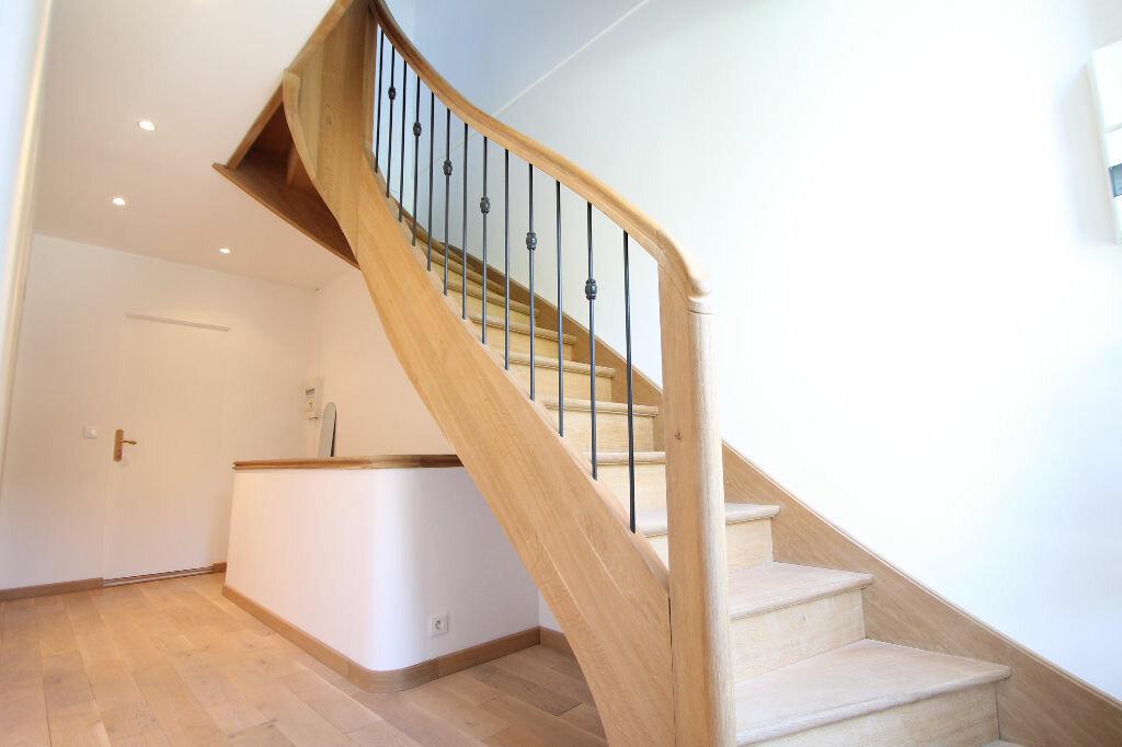 Maison à vendre 6 120m2 à Pierrefonds vignette-2