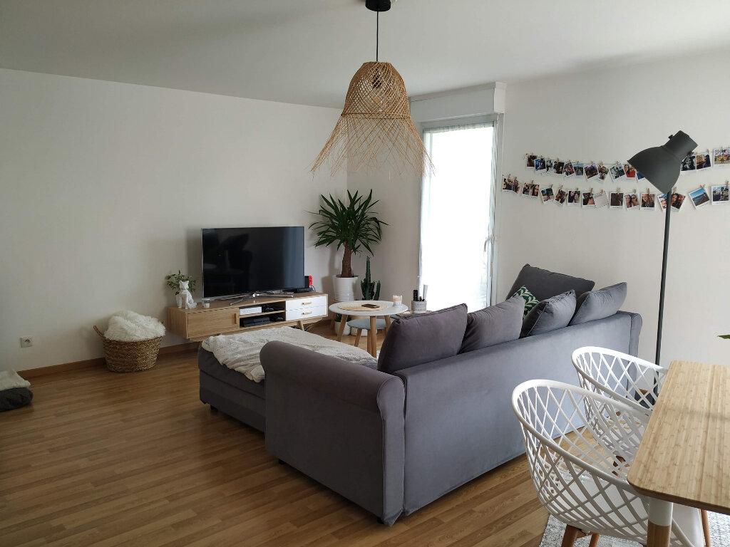 Appartement à louer 3 78.37m2 à Compiègne vignette-1