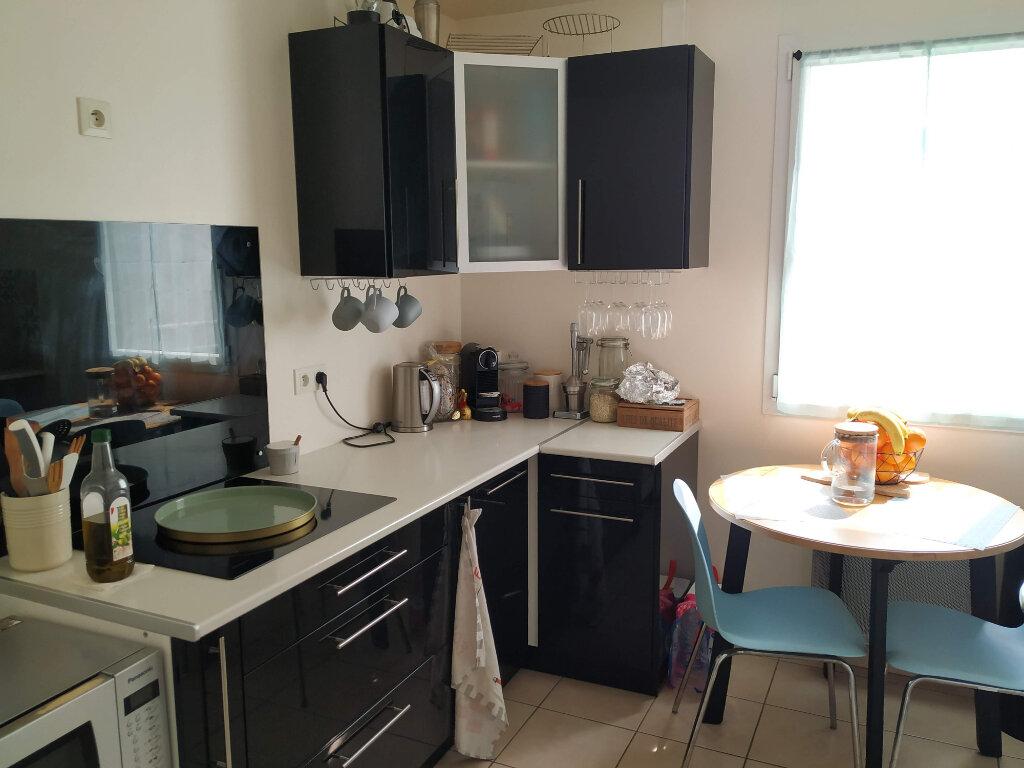 Appartement à louer 3 78.37m2 à Compiègne vignette-3