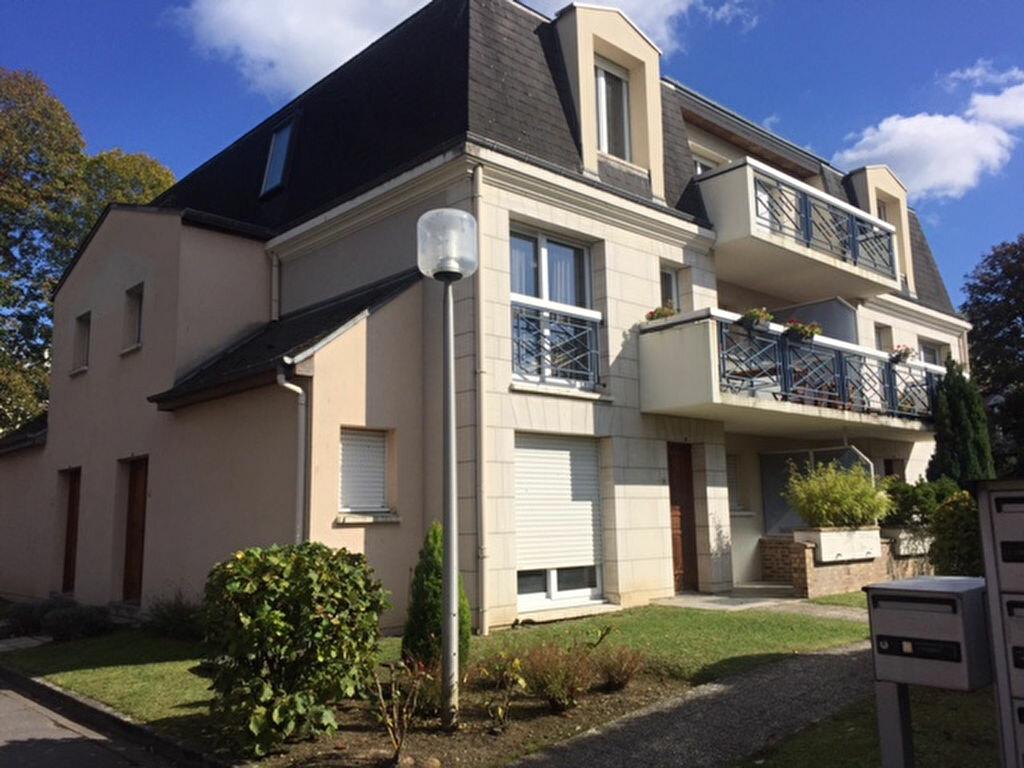 Appartement à louer 1 47.11m2 à Compiègne vignette-1