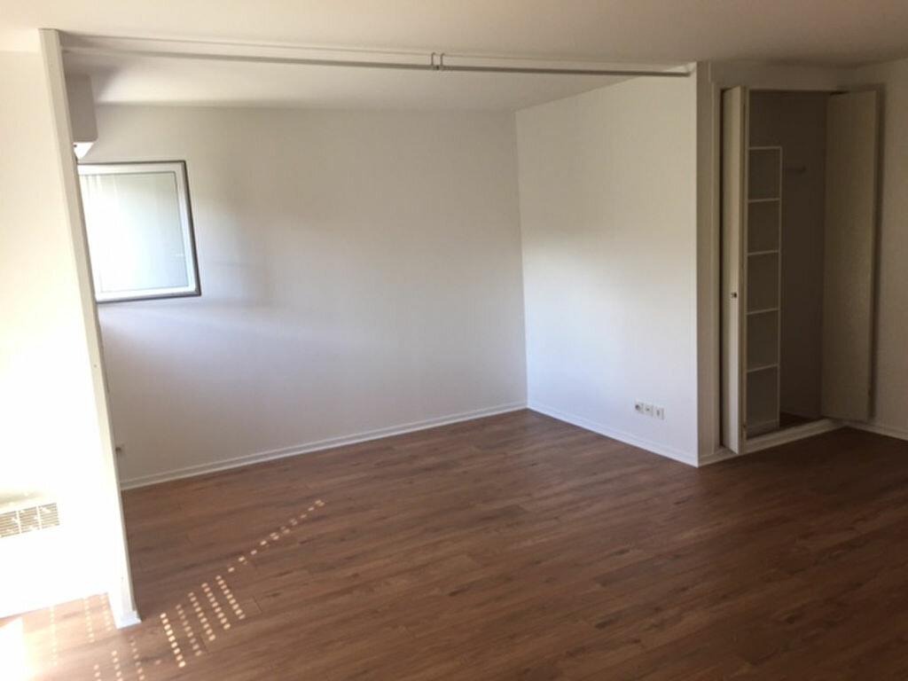 Appartement à louer 1 47.11m2 à Compiègne vignette-3