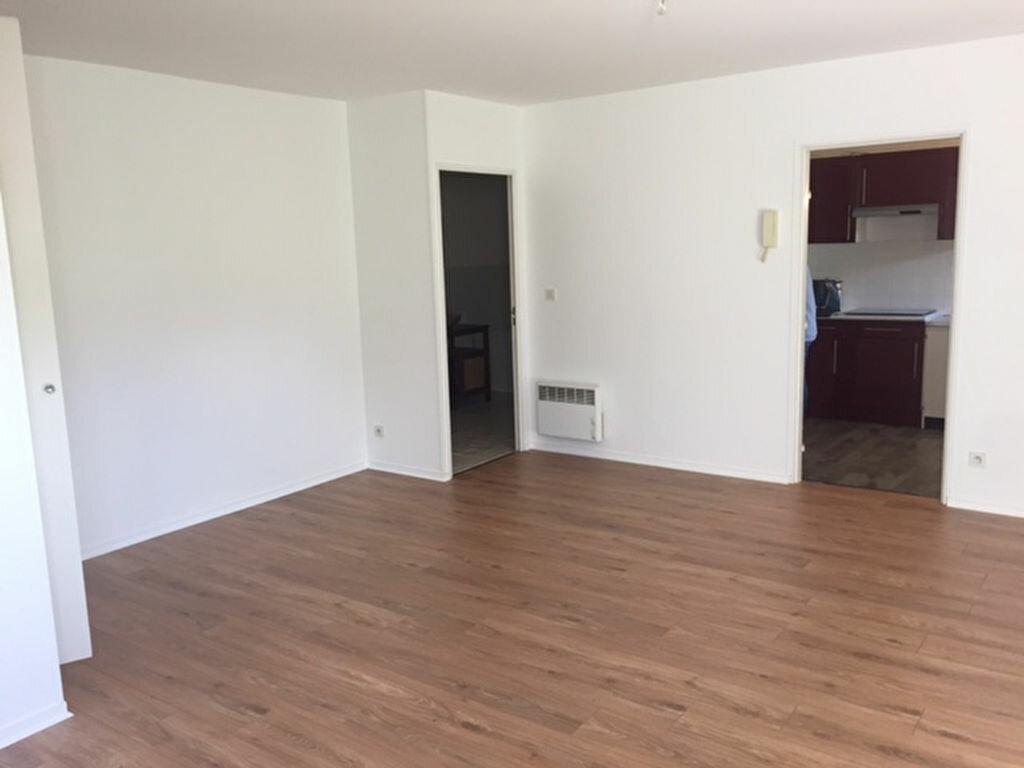 Appartement à louer 1 47.11m2 à Compiègne vignette-4