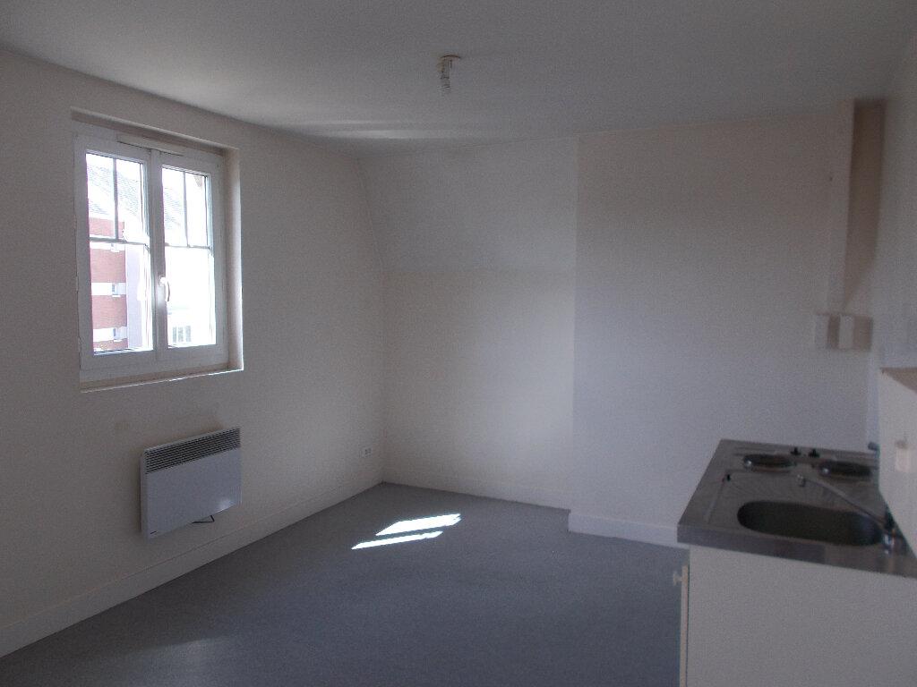 Appartement à louer 2 51.6m2 à Compiègne vignette-3