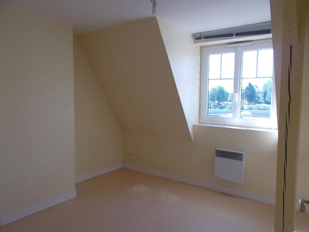 Appartement à louer 2 51.6m2 à Compiègne vignette-4