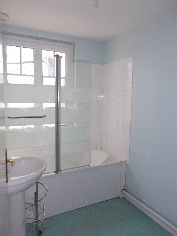 Appartement à louer 2 51.6m2 à Compiègne vignette-6