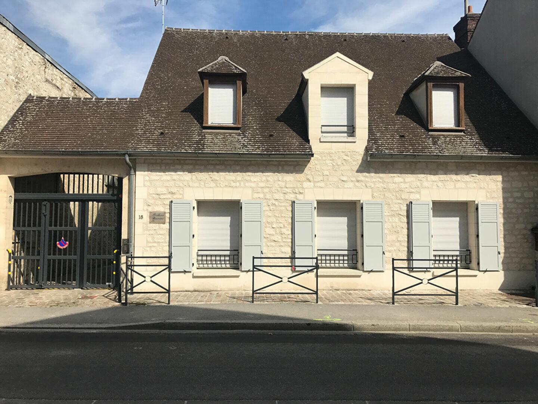 Appartement à louer 1 22.1m2 à Compiègne vignette-1