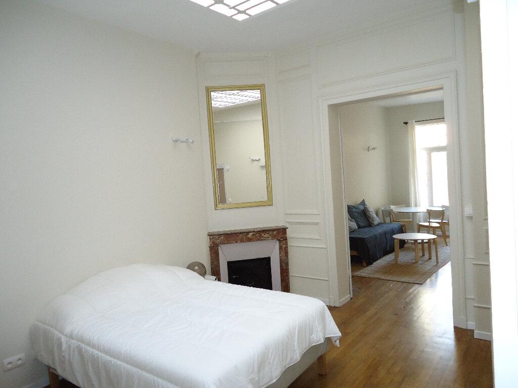 Appartement à louer 2 45.77m2 à Compiègne vignette-3