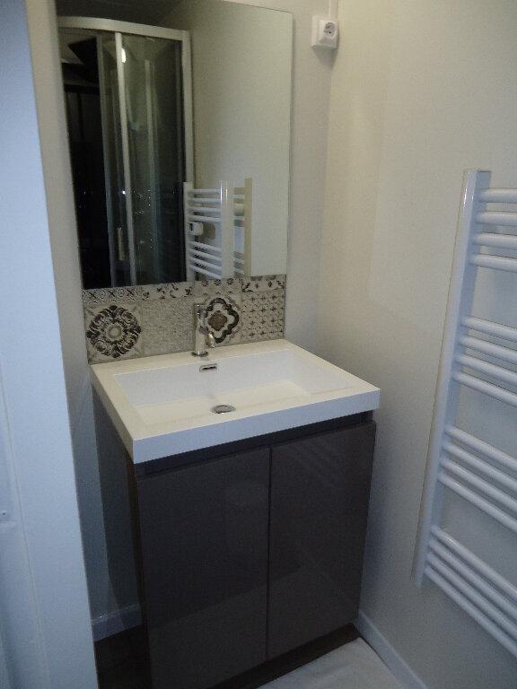 Appartement à louer 2 45.77m2 à Compiègne vignette-5