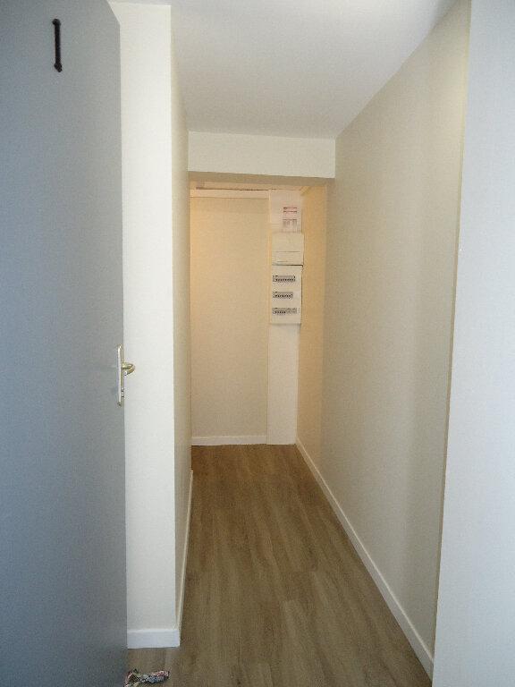 Appartement à louer 2 45.77m2 à Compiègne vignette-6