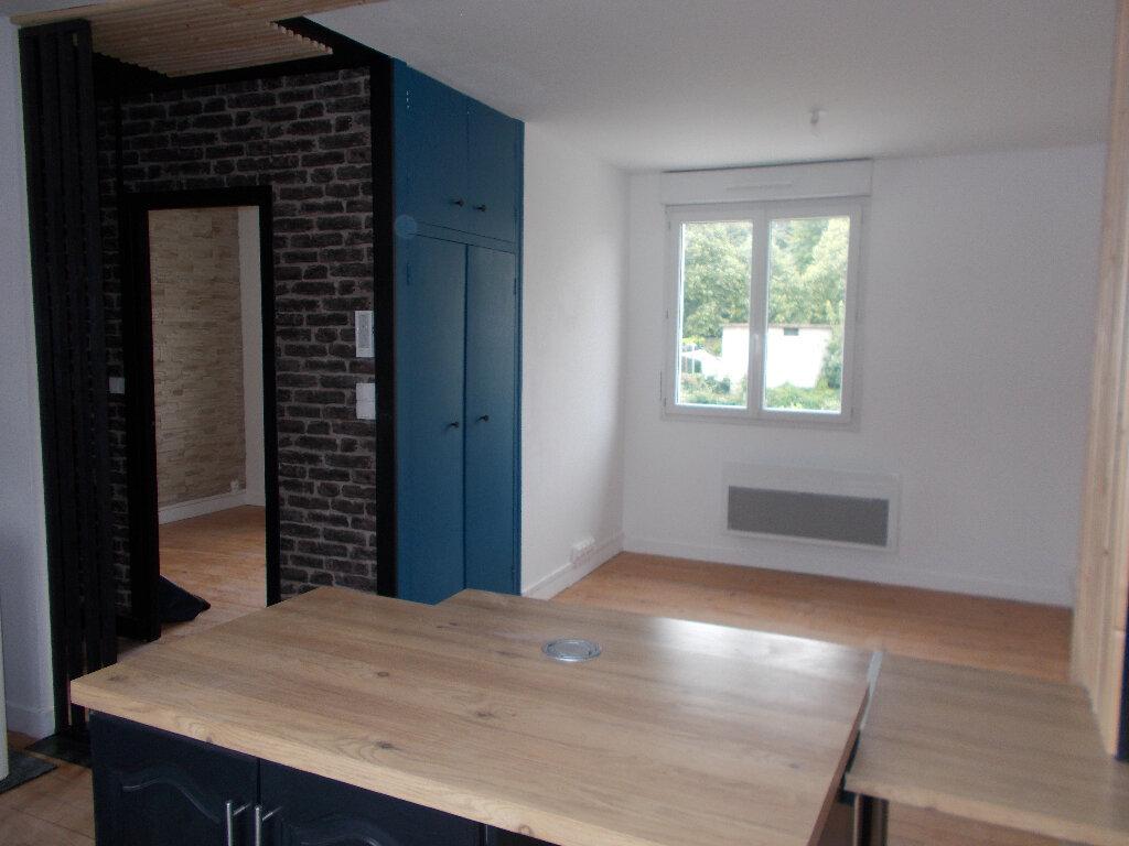 Appartement à louer 1 32.51m2 à Compiègne vignette-2
