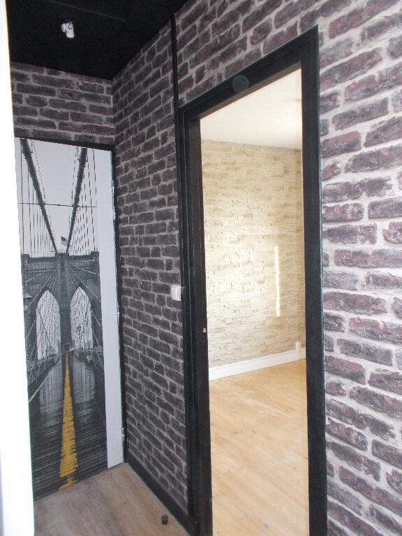 Appartement à louer 1 32.51m2 à Compiègne vignette-3