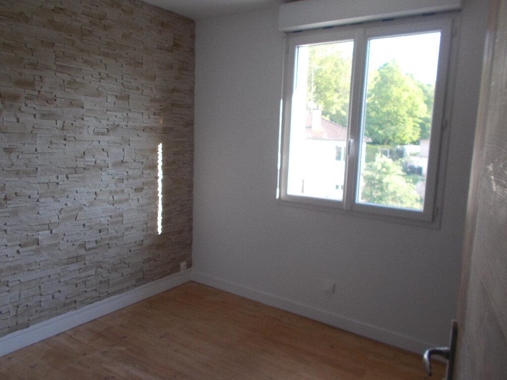 Appartement à louer 1 32.51m2 à Compiègne vignette-4