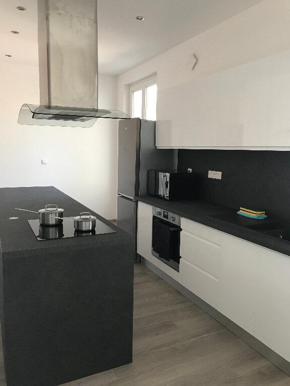Appartement à louer 1 13.76m2 à Compiègne vignette-5