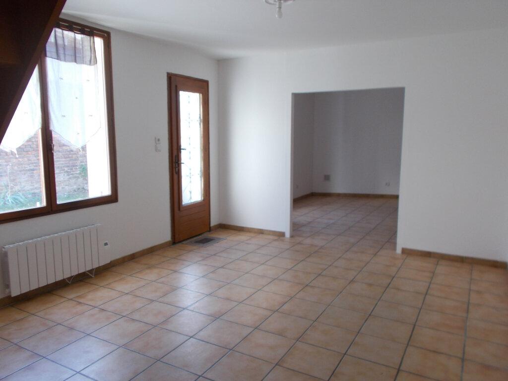Maison à louer 3 88.32m2 à Compiègne vignette-3