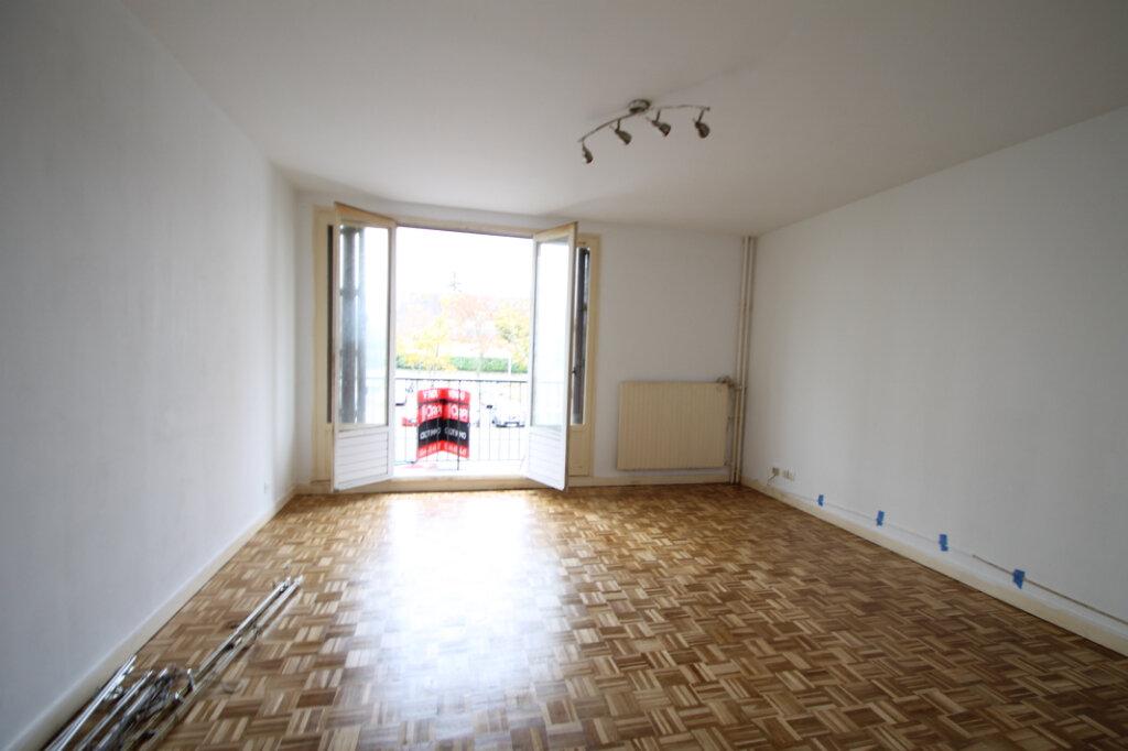 Appartement à vendre 3 63.1m2 à Compiègne vignette-1