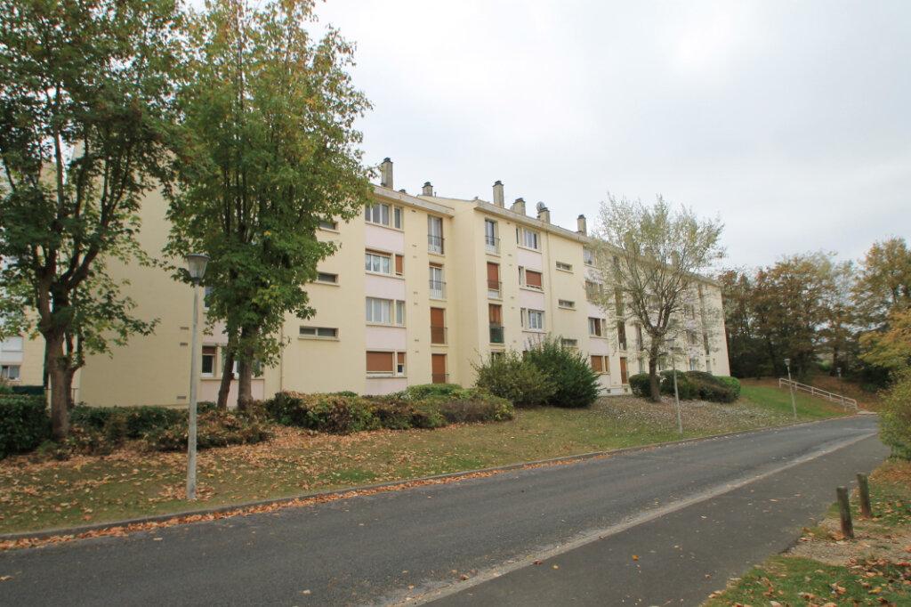 Appartement à vendre 3 63.1m2 à Compiègne vignette-4