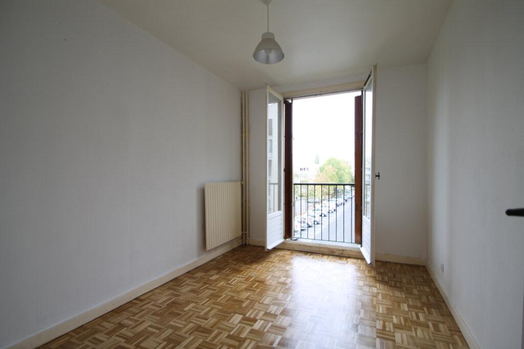 Appartement à vendre 3 63.1m2 à Compiègne vignette-5