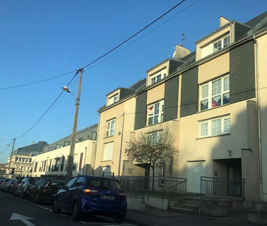 Appartement à louer 3 69.49m2 à Compiègne vignette-1