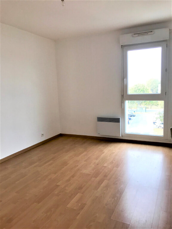 Appartement à louer 3 69.49m2 à Compiègne vignette-4