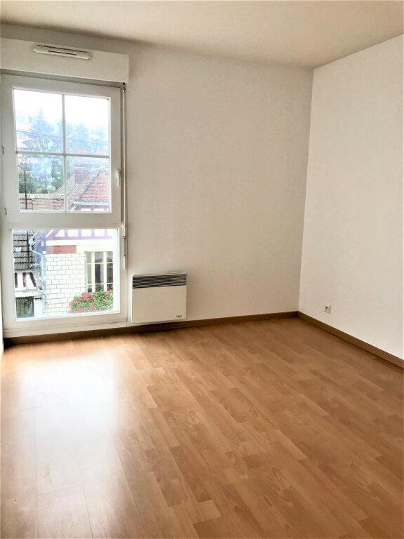 Appartement à louer 3 69.49m2 à Compiègne vignette-5