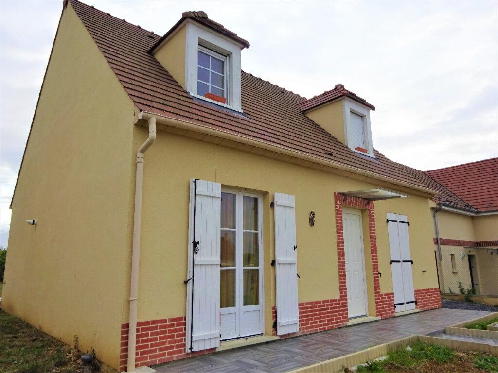 Maison à vendre 5 100m2 à Guiscard vignette-1