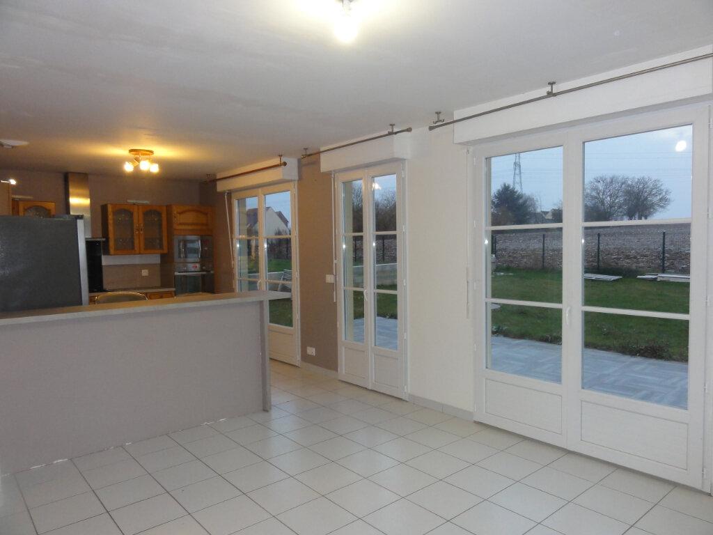 Maison à vendre 5 100m2 à Guiscard vignette-3