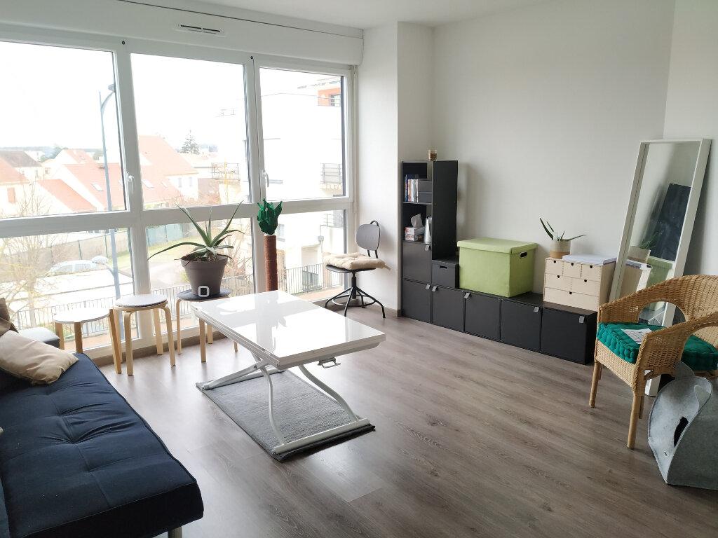 Appartement à louer 2 47.2m2 à Compiègne vignette-2