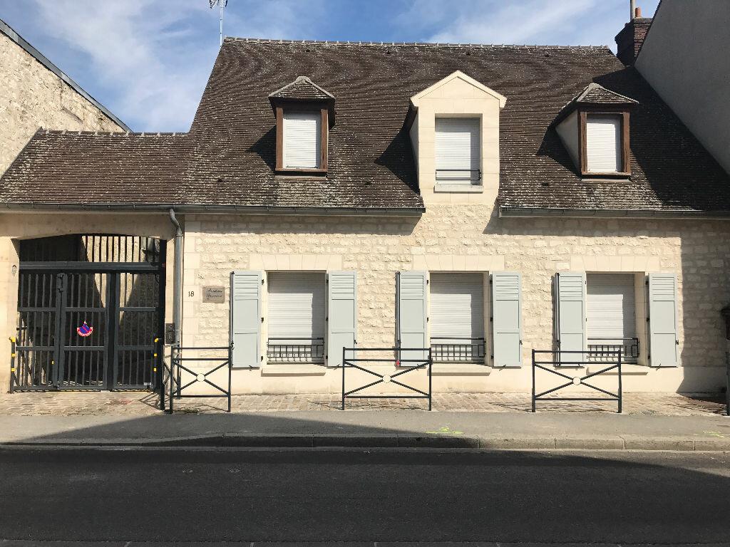 Appartement à louer 1 27m2 à Compiègne vignette-4