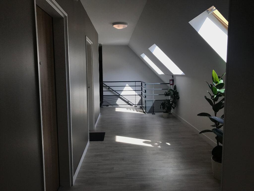 Appartement à louer 1 27m2 à Compiègne vignette-6