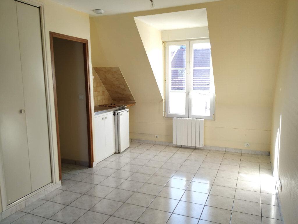 Appartement à louer 1 25m2 à Margny-lès-Compiègne vignette-1