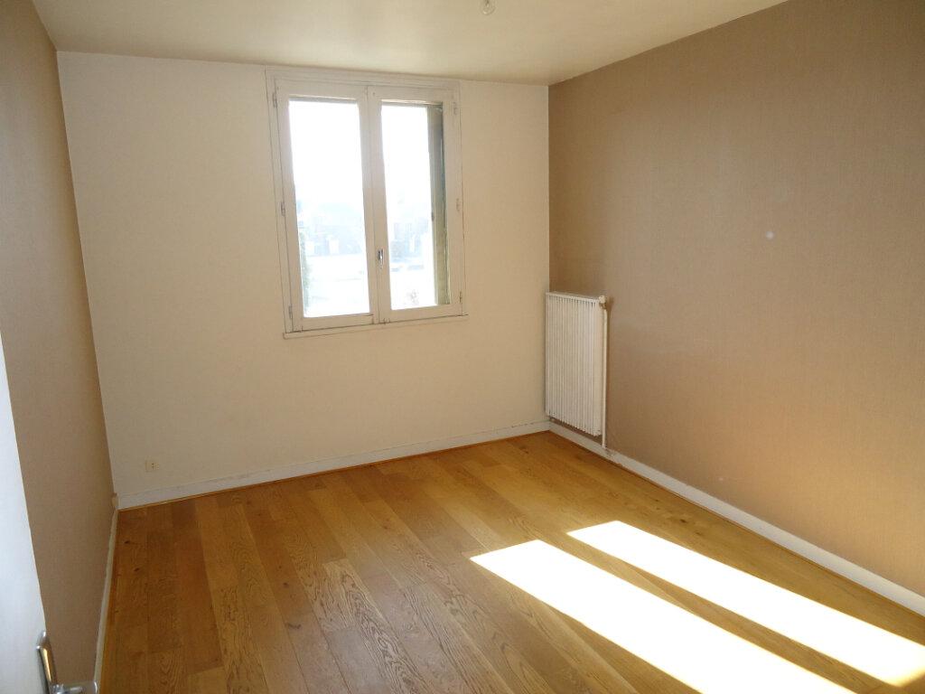 Appartement à louer 2 41.27m2 à Compiègne vignette-2