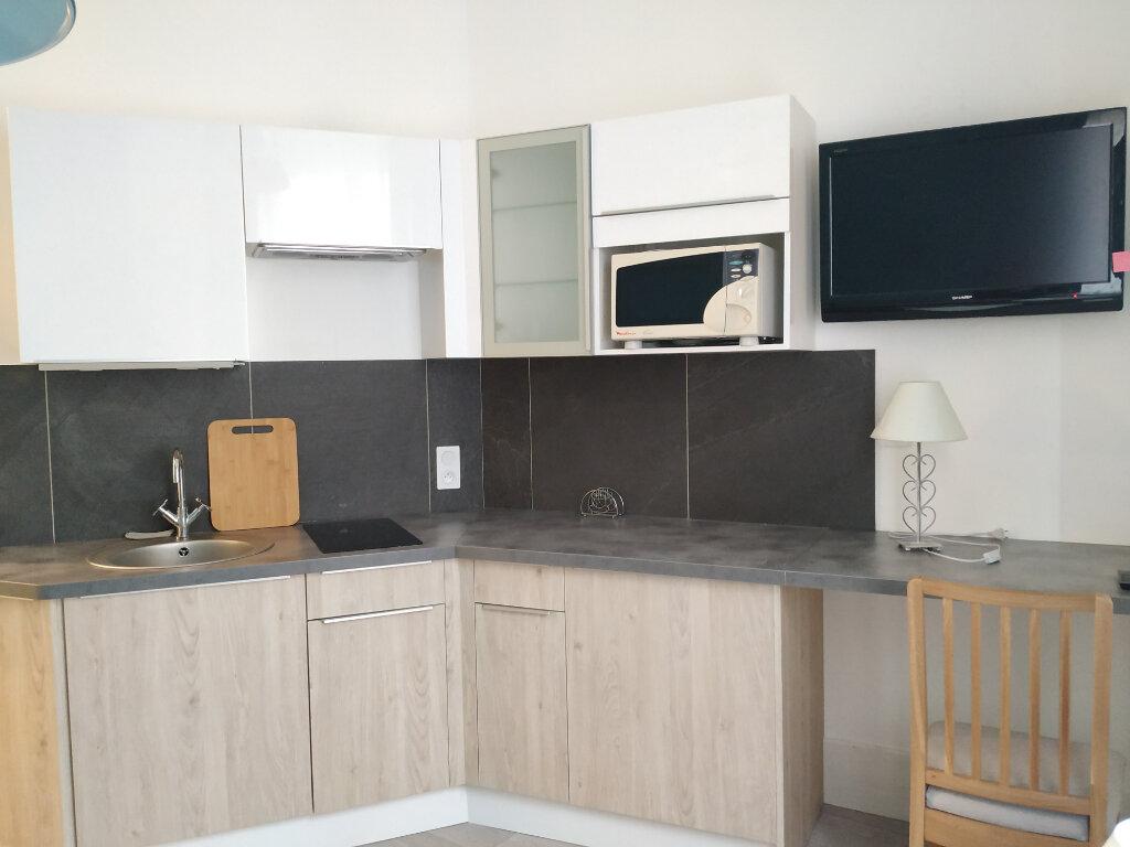 Appartement à louer 1 16.62m2 à Compiègne vignette-3
