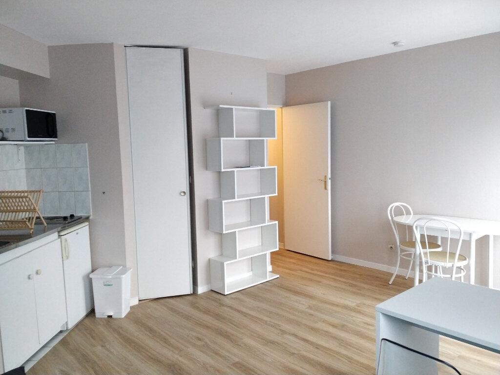Appartement à louer 1 23.18m2 à Compiègne vignette-1
