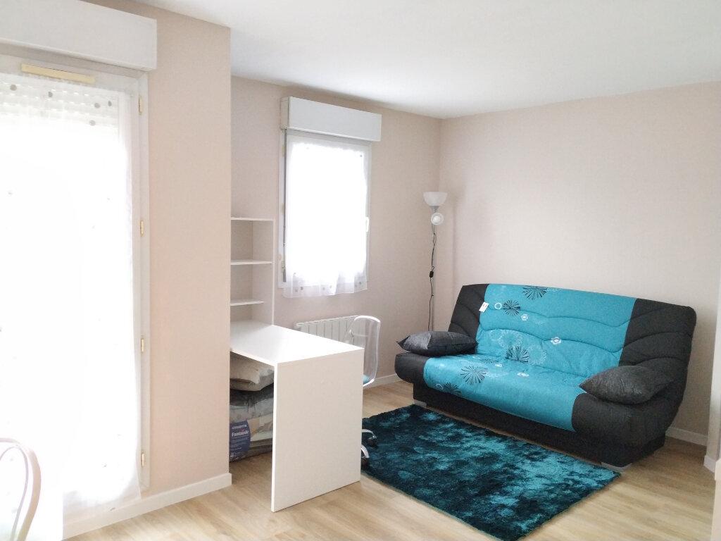 Appartement à louer 1 23.18m2 à Compiègne vignette-2