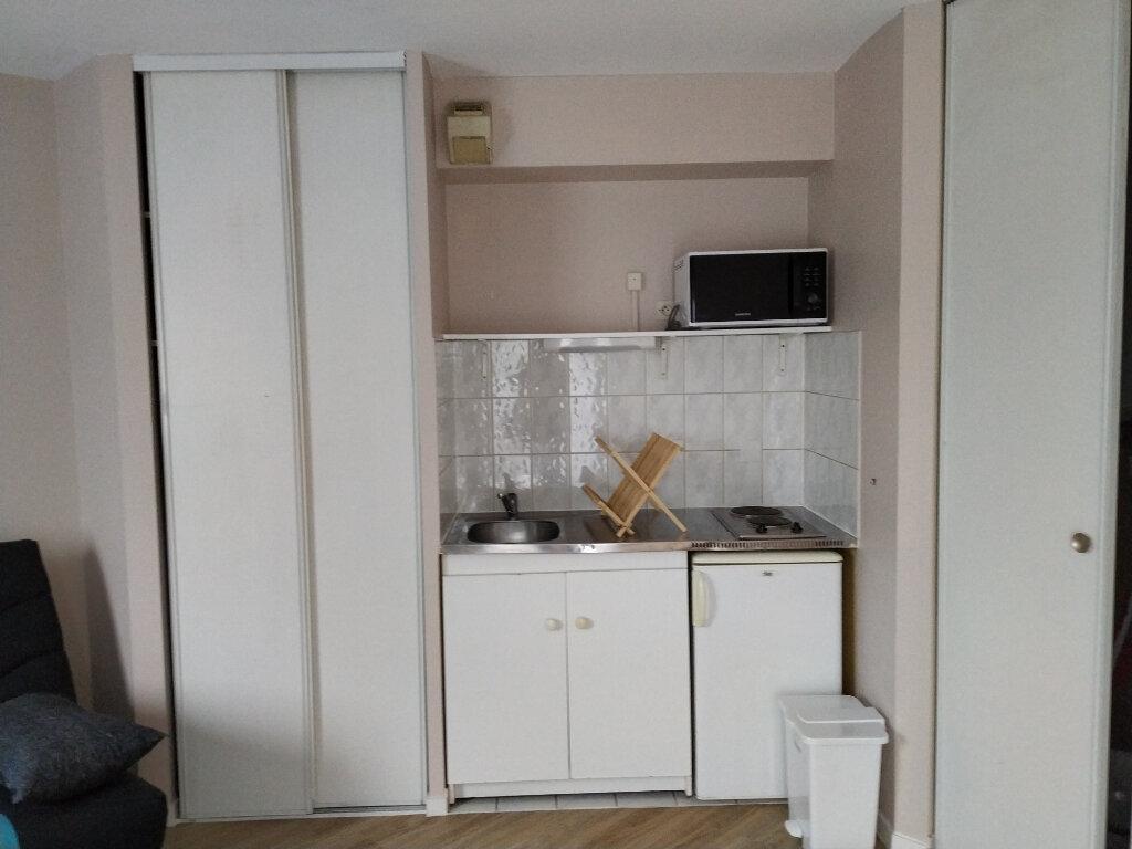 Appartement à louer 1 23.18m2 à Compiègne vignette-3