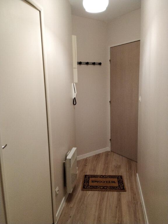 Appartement à louer 1 23.18m2 à Compiègne vignette-6