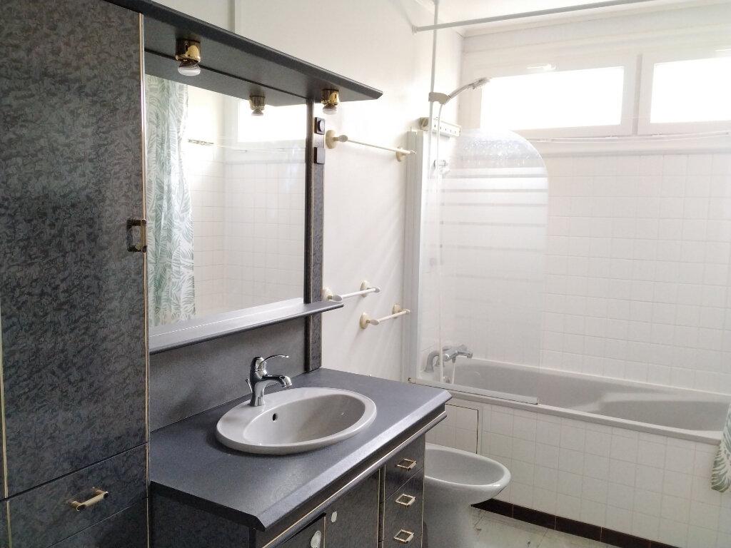 Appartement à louer 1 11.78m2 à Compiègne vignette-5