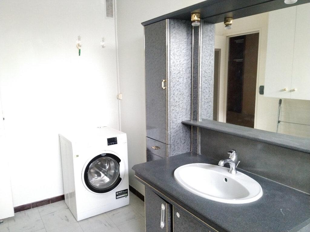 Appartement à louer 1 15.87m2 à Compiègne vignette-5