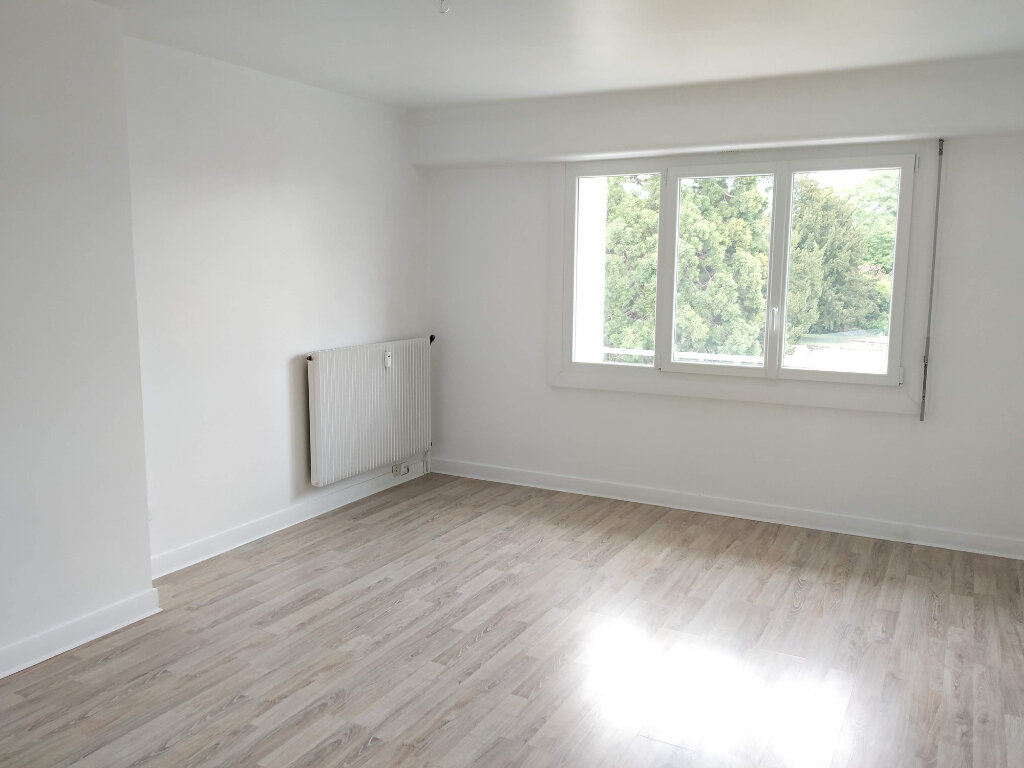 Appartement à louer 2 45.16m2 à Compiègne vignette-2