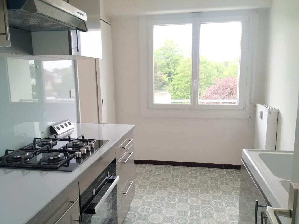 Appartement à louer 2 45.16m2 à Compiègne vignette-5