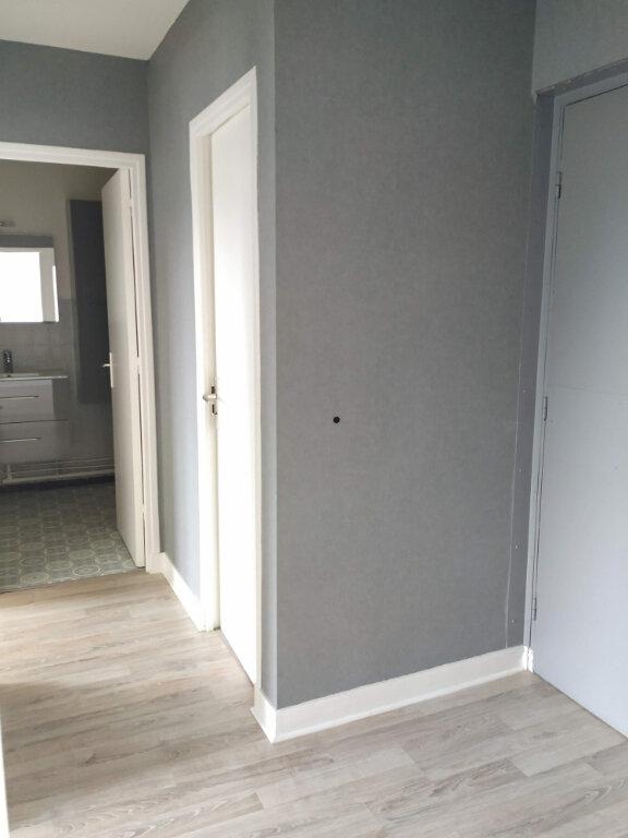 Appartement à louer 2 45.16m2 à Compiègne vignette-6