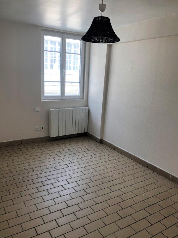 Appartement à louer 2 55.08m2 à Compiègne vignette-5
