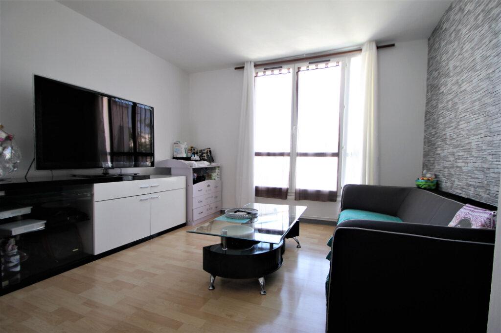 Appartement à vendre 2 39m2 à Compiègne vignette-1