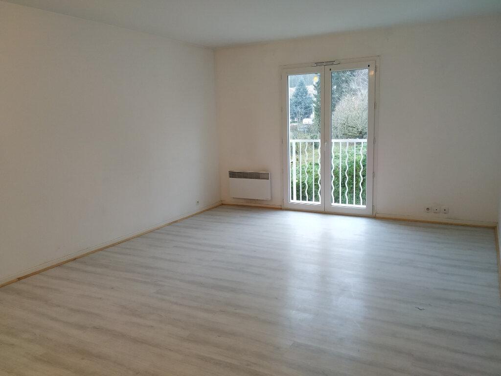 Appartement à louer 3 63m2 à Ribécourt-Dreslincourt vignette-2