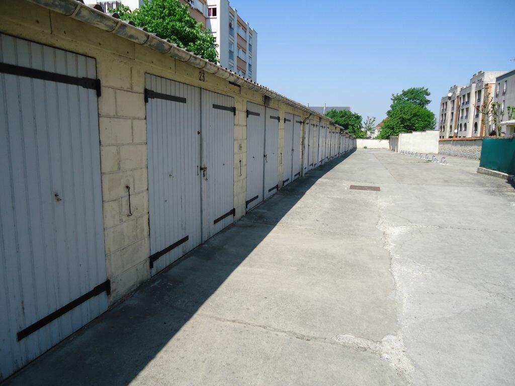Stationnement à louer 0 12m2 à Compiègne vignette-1