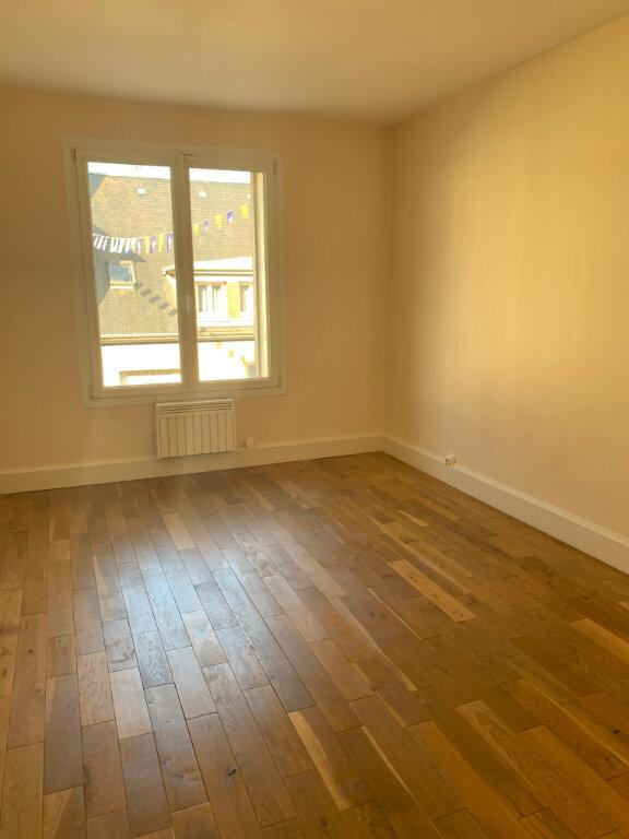 Appartement à louer 2 61.27m2 à Compiègne vignette-4