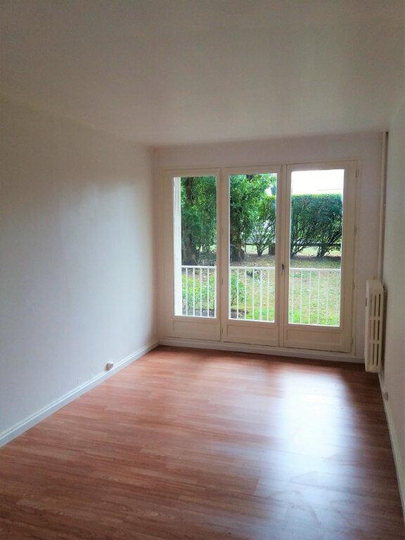 Appartement à louer 5 94.67m2 à Compiègne vignette-5