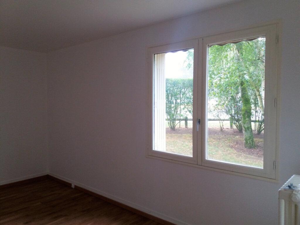 Appartement à louer 5 94.67m2 à Compiègne vignette-11