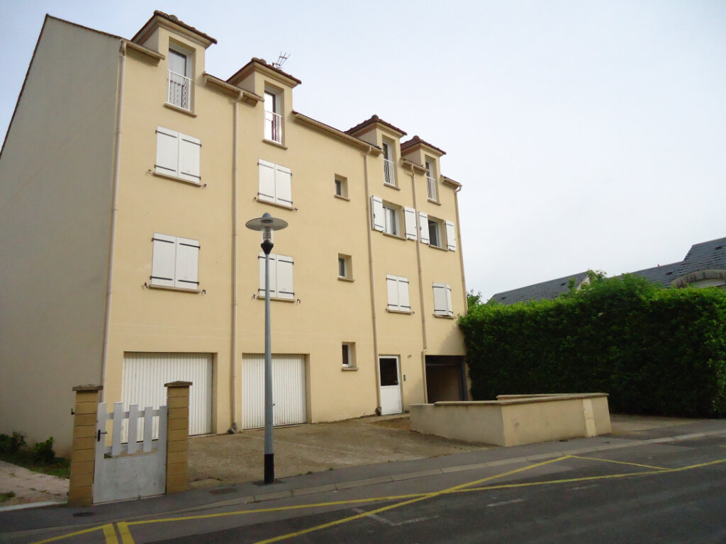 Appartement à louer 3 64.13m2 à Ribécourt-Dreslincourt vignette-1