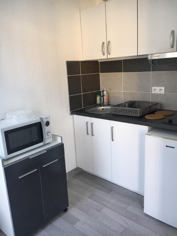 Appartement à louer 1 28.3m2 à Compiègne vignette-4